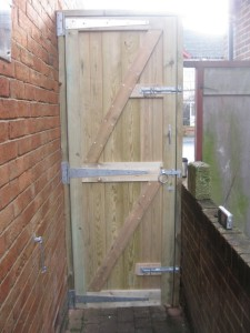 baced gate installation southampton